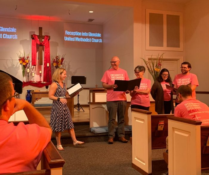 Larry-and-Sharon-Hollon-and-Casey-and-Brandi-Wilson-Join-Glendale-United-Methodist-Church-Nashville-TN